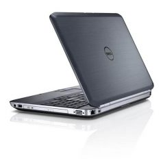 Ноутбук б/у 15,6″ Dell Latitude E5520 - Core i5 2520M / 4Gb ОЗУ DDR3 / 120Gb SSD / камера